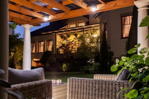 comment clairer sa pergola verandas et. Black Bedroom Furniture Sets. Home Design Ideas